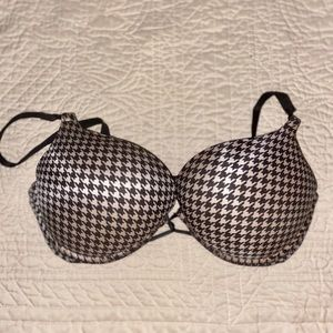 VS Miraculous Push Up Bra